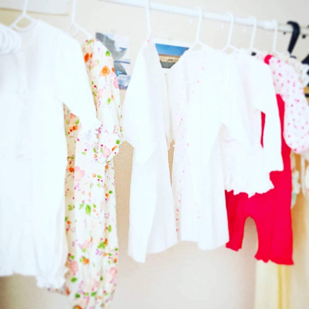 【#世界一幸せな洗濯】赤ちゃんベビー服のお水通しの方法を紹介。